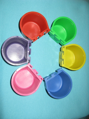 NEW! Colored 1/2 Pint Heavy Duty Cage Cups! 6 Pack!